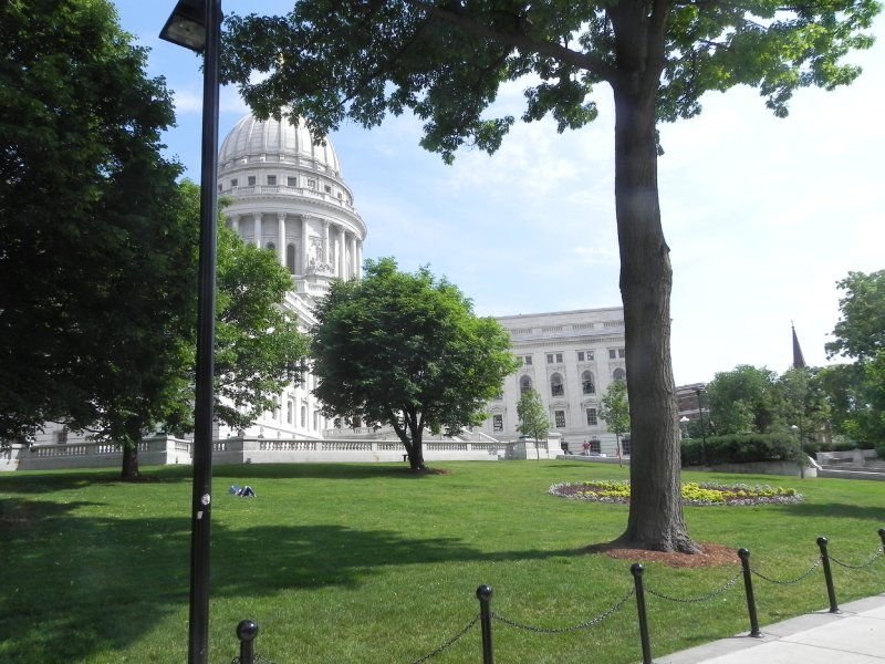 Capitol Square is quiet 6-12-11