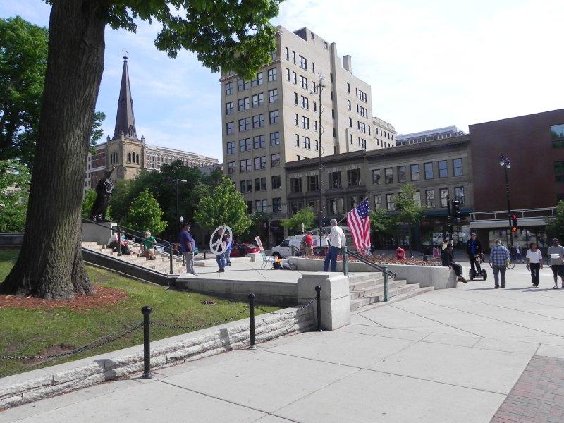 Walkerville demonstrators sparse, Day 10