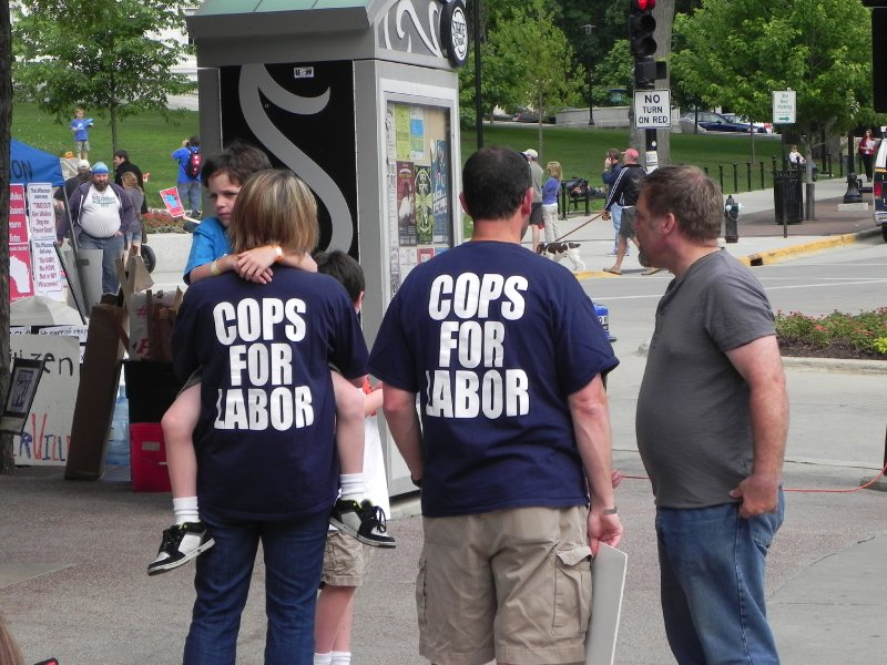 Police supporting public teacher unions